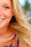 美丽的白肤金发的表面女孩年轻人 免版税库存图片
