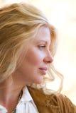 美丽的白肤金发的配置文件妇女 库存照片