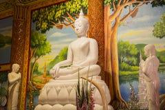 美丽的白色岩石菩萨雕象 免版税库存照片