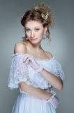 美丽的白色服装妇女年轻人 库存照片