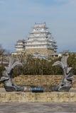 美丽的白色著名与老结构的世界遗产treditional木城堡保留在Himaji 库存照片