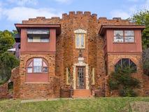 美丽的砖瓦房在土尔沙-土尔沙-俄克拉何马- 2017年10月17日 免版税库存图片