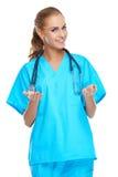 美丽的确信的妇女医生 免版税库存图片