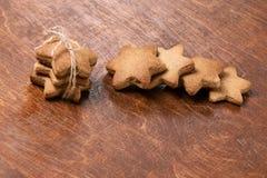美丽的礼品 可口姜饼干 新年度 库存图片