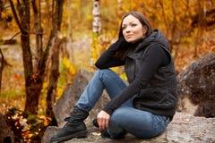 美丽的秋天纵向妇女 免版税库存照片