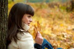 美丽的秋天纵向妇女 免版税库存图片