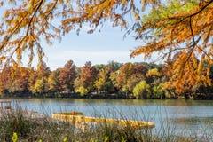 美丽的科罗拉多河在奥斯汀,得克萨斯,美国 免版税库存图片