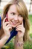 美丽的移动电话女孩 免版税图库摄影