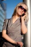 美丽的移动电话妇女 图库摄影