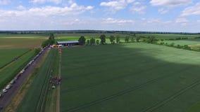 美丽的空中寄生虫被射击与农场, 03的一个绿色领域 2016年,波兰,空中英尺长度, DJI启发 影视素材