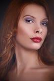 年轻美丽的红头发人女孩 库存照片