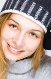 美丽的纵向微笑冬天妇女 免版税库存照片