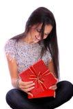 美丽的纵向微笑的冬天妇女年轻人 库存图片