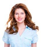 美丽的纵向微笑的妇女年轻人 免版税库存图片