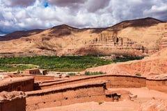 美丽的罗斯谷- Vallee des玫瑰,在瓦尔扎扎特附近,摩洛哥 免版税库存照片