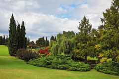 美丽的美妙地庭院公园sigurta 免版税库存图片