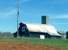 美丽的老土气谷仓 库存照片