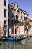 美丽的老大厦在威尼斯意大利 免版税库存照片