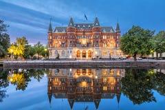 美丽的老大厦从19世纪在厄勒布鲁,瑞典 库存图片