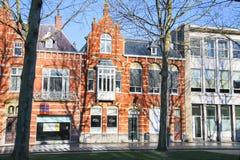 美丽的老房子在荷兰市的中心登博斯 库存图片