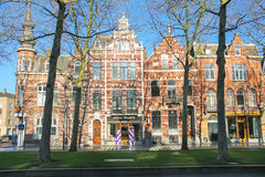 美丽的老房子在登博斯的中心 免版税库存图片