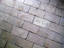 美丽的老砖地板淡黄色红色树荫 库存照片