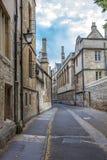 美丽的老街道在牛津,英国 免版税库存图片