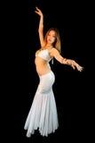 美丽的腹部白肤金发的充分机体舞蹈&# 免版税库存图片