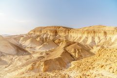 美丽的自然沙漠在干燥judean美丽如画的原野 室外风景风景 库存照片