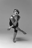 美丽的舞蹈演员妇女 免版税库存照片