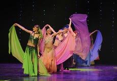 美丽的色的丝绸土耳其腹部舞蹈这奥地利的世界舞蹈 免版税库存图片