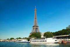 美丽的艾菲尔铁塔在巴黎,法国 免版税库存图片