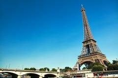美丽的艾菲尔铁塔在巴黎,法国 免版税库存照片