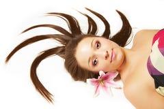 美丽的花头发妇女 免版税库存照片