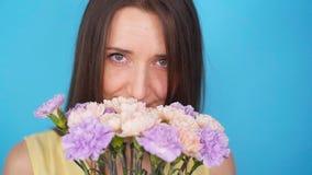 美丽的花束妇女 股票视频