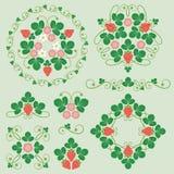 美丽的花饰用草莓 免版税图库摄影