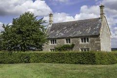 美丽的英国乡间别墅 免版税库存图片