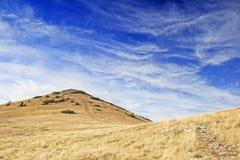 美丽的草原山 库存照片