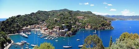 美丽的菲诺港,意大利鸟瞰图  免版税库存照片