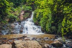 美丽的落下的Datanla瀑布在山镇大叻,越南 库存图片