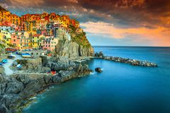 美丽的著名Manarola村庄,五乡地,利古里亚,意大利,欧洲 免版税图库摄影