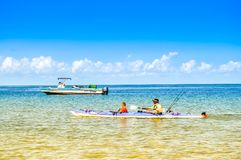 美丽的葡萄牙海岛海滩用绿松石水,莫桑比克 免版税库存图片