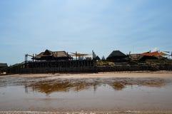 美丽的葡萄牙海岛海滩用绿松石水,莫桑比克 免版税库存照片