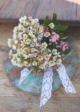 美丽的葡萄酒婚礼花束 免版税库存图片