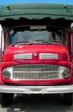美丽的葡萄酒红色汽车 免版税库存图片