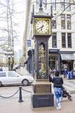 美丽的蒸汽时钟在温哥华-一个著名地标在老镇-温哥华-加拿大- 2017年4月12日 免版税库存图片