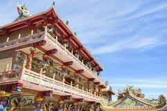 美丽的蓝色中国人寺庙天空 库存照片