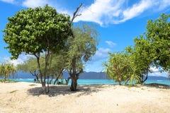 美丽的蓝色海滩全景从Gili Trawangan 免版税库存照片