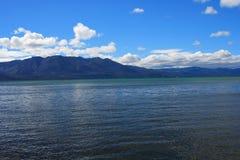 美丽的蓝色Tahoe湖 免版税库存照片