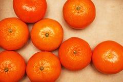 美丽的蜜桔 蜜桔和桔子 背景柑橘准备好的文本 免版税库存图片